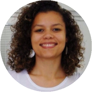 Thais_Queiroz_ELLA Brazil Social Media Strategist
