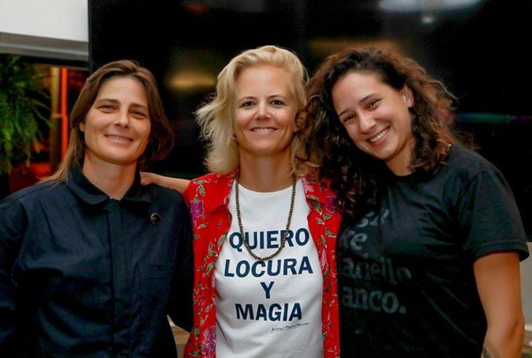 Daniela Sea con Kristin Hansen y Monica Benicio