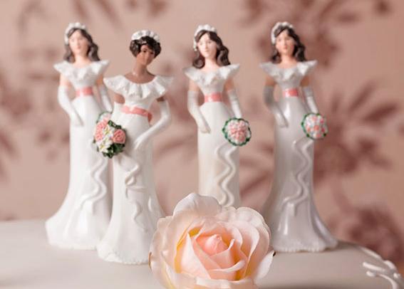 Pastel de bodas con 4 novias - poliamor